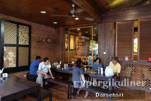 Foto 15 - Interior di Bebek Malio oleh Darsehsri Handayani