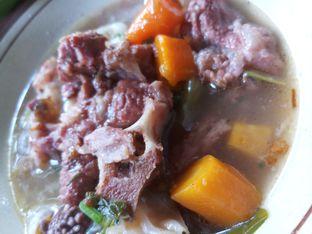 Foto 1 - Makanan di Sop Buntut Sapi Ma' Emun oleh Wena Natasha
