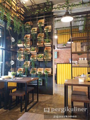 Foto 7 - Interior di Warung Kukuruyuk oleh Jajan Rekomen