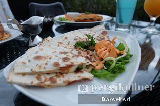 Foto 3 - Makanan di Level 03 Rooftop & Grill by Two Stories oleh Darsehsri Handayani