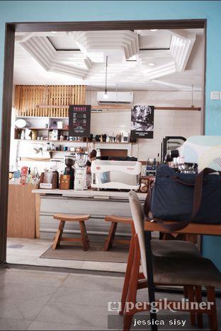 Foto 7 - Interior di Elmakko Coffee oleh Jessica Sisy