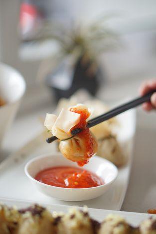Foto 6 - Makanan di Oiio Bistro oleh Nanakoot