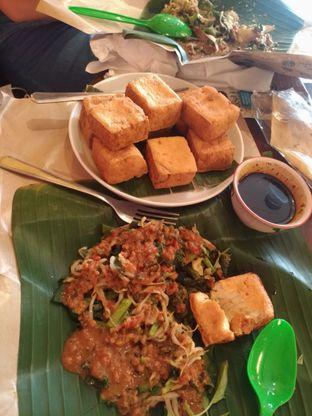 Foto - Makanan di PIHU Pisang & Tahu Susu oleh Leon Adna