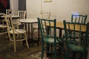 Foto 8 - Interior di Mokapot Coffee Talk oleh yudistira ishak abrar
