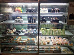 Foto 5 - Interior di Home Made Bakery oleh Nanakoot