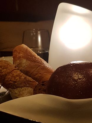 Foto 2 - Makanan di Alto Restaurant & Bar - Four Seasons oleh Reinaldo Kartasasmita
