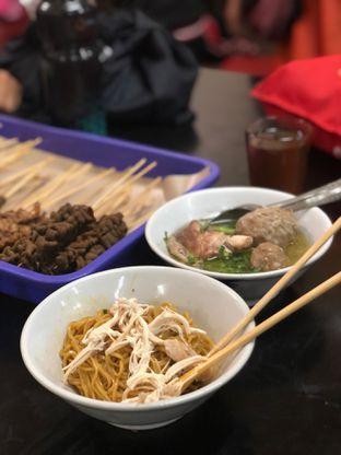 Foto 3 - Makanan(Yamin Bakso) di Bubur Ayam Bejo Special Kosambi oleh Fadhlur Rohman