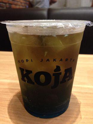 Foto 2 - Makanan(Blue Ocean Ice Tea) di Adora Lezat oleh awakmutukangmakan