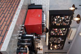 Foto 3 - Interior di Tempt Coffee Roaster oleh Della Ayu
