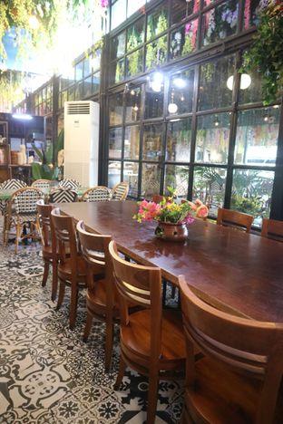 Foto 7 - Interior di ROOFPARK Cafe & Restaurant oleh yeli nurlena