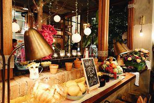 Foto 4 - Interior di The Garden oleh iminggie