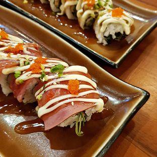 Foto 1 - Makanan(Smoked beef roll) di Housaku Sushi & Bento oleh Cynthia