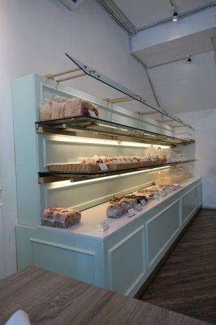 Foto 12 - Interior di Dandy Co Bakery & Cafe oleh iminggie