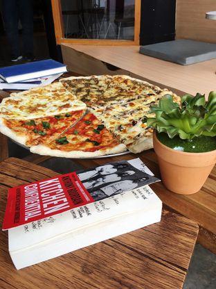 Foto 16 - Makanan di Sliced Pizzeria oleh Prido ZH