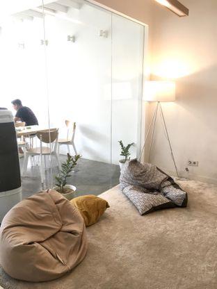 Foto 32 - Interior di Aiko Coffee oleh Prido ZH