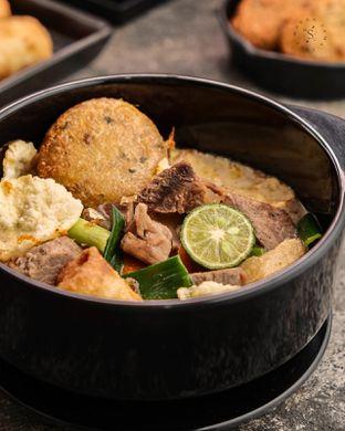 Foto 1 - Makanan di Soto Betawi Nyonya Afung oleh Makan Samacici