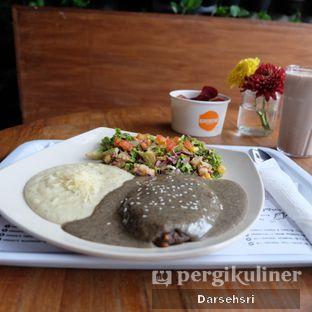Foto 4 - Makanan di Burgreens Express oleh Darsehsri Handayani