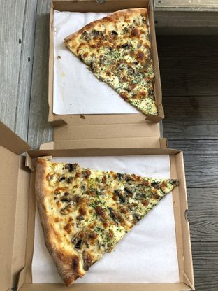 Foto 3 - Makanan(Ricotta cheese pizza) di Pizza Place oleh Patricia.sari
