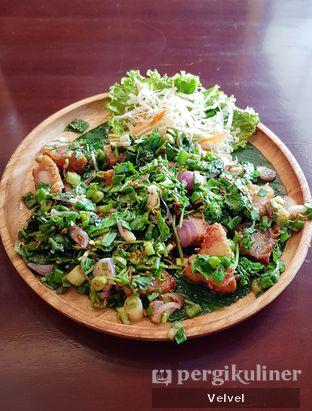 Foto 4 - Makanan(Larb Crispy Pork) di Larb Thai Cuisine oleh Velvel