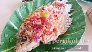 Foto 3 - Makanan di Gubug Udang Situ Cibubur oleh Jakartarandomeats