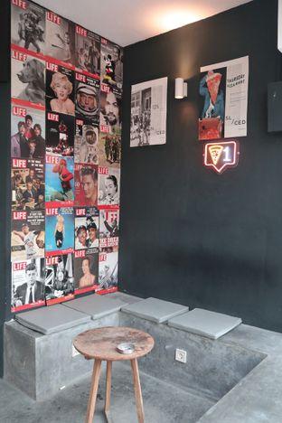Foto 7 - Interior di Sliced Pizzeria oleh thehandsofcuisine
