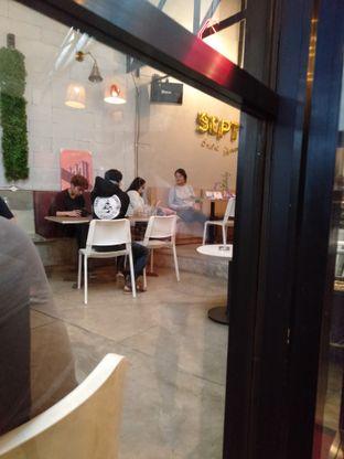 Foto review Roemah Coffee Eatery & Hub oleh yukjalanjajan  3
