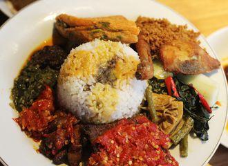 5 Makanan yang Bikin Orang Indonesia Kecanduan