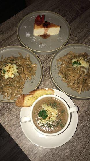 Foto 1 - Makanan di Trvffle Bistro oleh Jennifer Intan