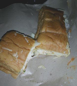 Foto 2 - Makanan di Roti John Surabaya oleh saskia jihan