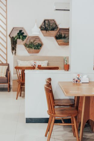 Foto 4 - Interior di ou tu Cafe oleh Indra Mulia