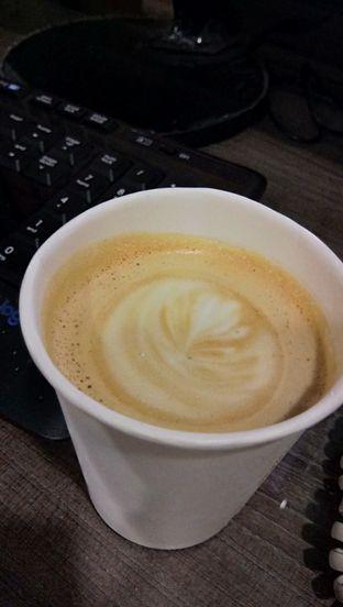 Foto - Makanan(cafe latte) di Sta's Coffee & Bakery oleh Komentator Isenk
