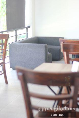 Foto 3 - Interior di Coffee On Fifth oleh Selfi Tan