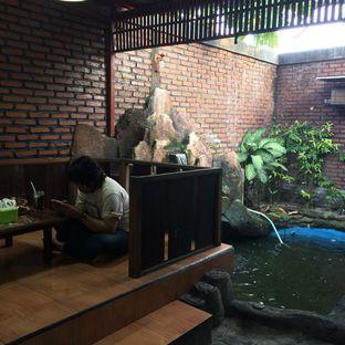 Foto 7 - Interior di Bebek Goreng Harissa oleh Rinarinatok