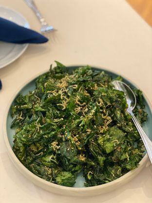 Foto 3 - Makanan(salted fish crispy kailan) di Eastern Opulence oleh Jeljel