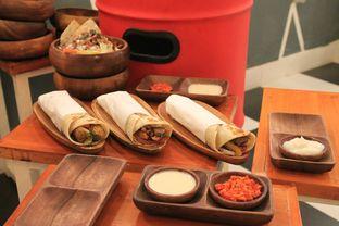 Foto 11 - Makanan di Emado's Shawarma oleh Prido ZH