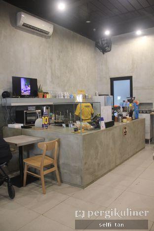 Foto 3 - Interior di Toebox Coffee oleh Selfi Tan
