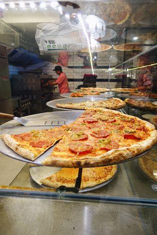 Foto 4 - Makanan di Pizza Place oleh iminggie