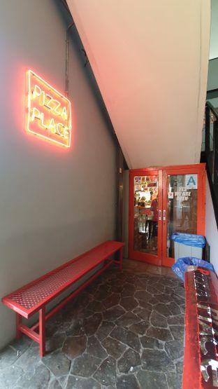 Foto 5 - Interior di Pizza Place oleh Naomi Suryabudhi