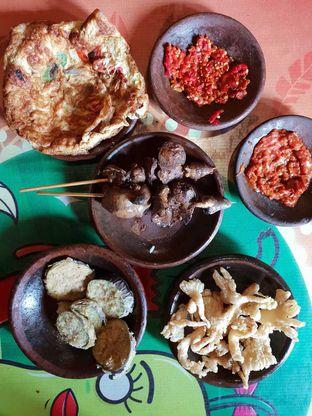Foto 2 - Makanan di Waroeng SS oleh Amrinayu