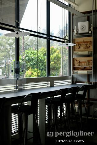 Foto 9 - Interior di Hours Coffee & More oleh EATBITESNAP // Tiffany Putri