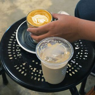 Foto 1 - Makanan(Caffe latte) di Ssst Coffee oleh Desanggi  Ritzky Aditya