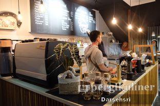 Foto 10 - Interior di Kama Coffee & Co oleh Darsehsri Handayani