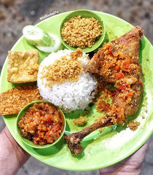 Foto 2 - Makanan(Paket b egp kampung asli) di Ayam & Seafood EGP oleh Stellachubby