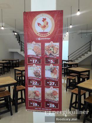 Foto 1 - Interior di Ayam Geprek Ceger oleh @foodiaryme   Khey & Farhan