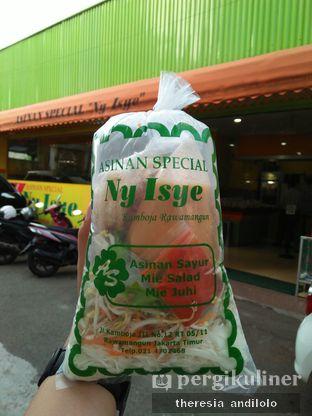 Foto 1 - Makanan di Asinan Ny. Isye oleh IG @priscscillaa