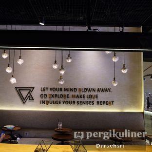 Foto 8 - Interior di Bermvda Coffee oleh Darsehsri Handayani