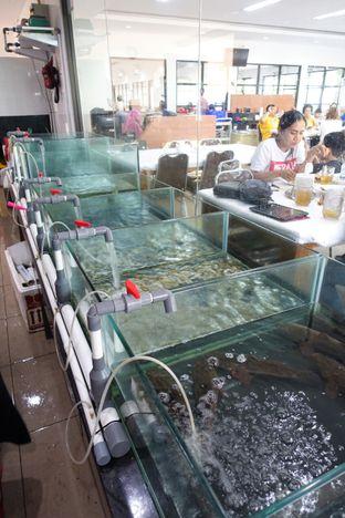 Foto 4 - Interior di Sentosa Seafood oleh inggie @makandll