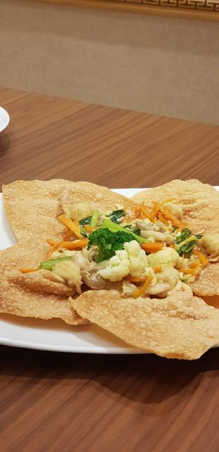 Foto 2 - Makanan di Bakmi Berdikari oleh IG: FOODIOZ