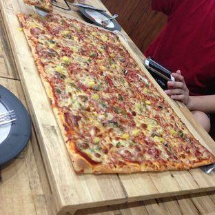 Foto 1 - Makanan di Henk's Pizza oleh liviacwijaya