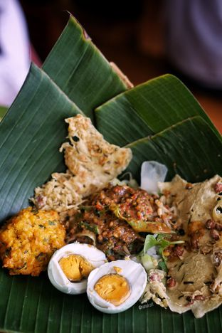 Foto 2 - Makanan di Pecel Pincuk Ibu Ida oleh Nanakoot